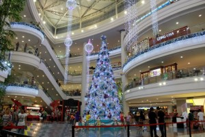 christmas tree in mall